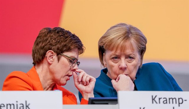Annegret Kramp-Karrembauer y Angela Merkel
