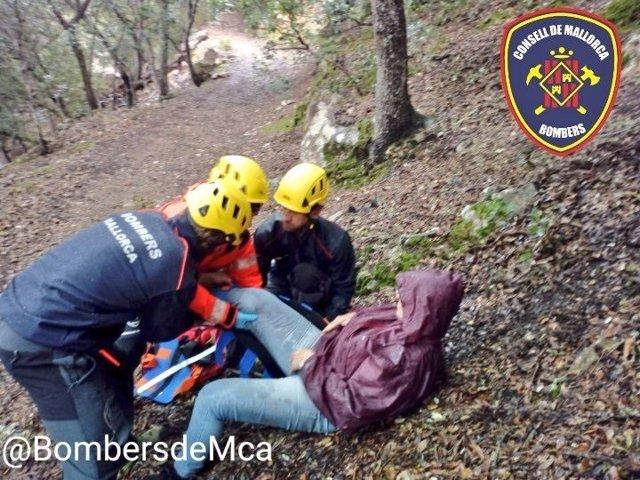 Una mujer de unos 60 años se ha accidentado mientras buscaba setas.