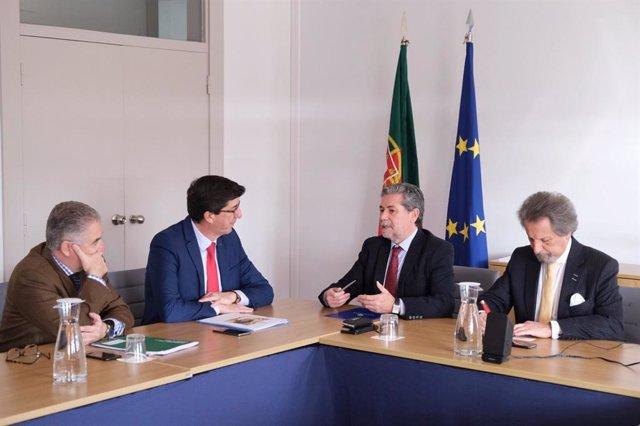El vicepresidente de la Junta de Andalucía y consejero de Turismo, Regeneración, Justicia y Administración Local, Juan Marín, este sábado en Lisboa (Portugal)