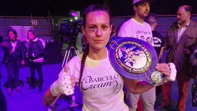 Joana Pastrana, después de un combate.