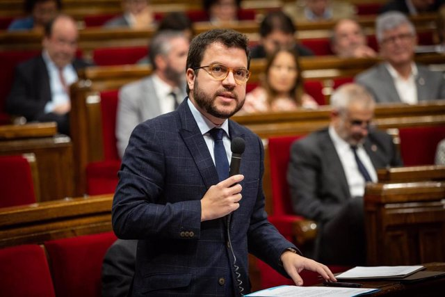 El vicepresidente de la Generalitat, Pere Aragonès interviene en una sesión plenaria en el Parlament de Catalunya, celebrada una semana después de conocerse la sentencia del juicio del 'procés', en Barcelona (España), a 23 de octubre de 2019.,
