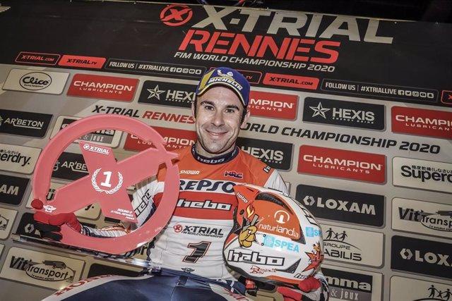 El piloto español Toni Bou (Repsol Honda) tras ganar en Rennes en el Mundial de X-Trial
