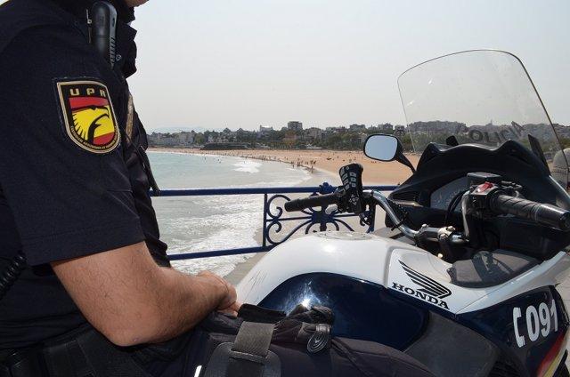 Patrulla de la Policía Nacional en Santander