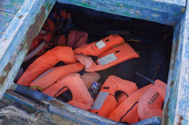 Europa.- Cinco inmigrantes muertos tras un naufragio cerca de la isla italiana d