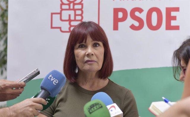 Micaela Navarro, ante los medios