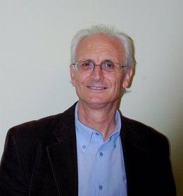 El periodista Daniel Arasa y autor de '100 Consells de Guerra', en una foto de archivo.