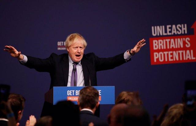 El primer ministro británico, Boris Johnson, presenta en Telford el manifiesto conservador post-brexit