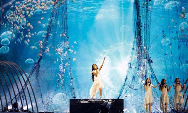 Melani durante su actuación