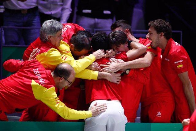Tenis/Davis.- España celebra la nueva Davis con su sexto título