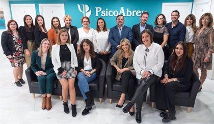 Psicólogos PsicoAbreu, líder en atención psicológica, inaugura en Málaga un gran gabinete innovador