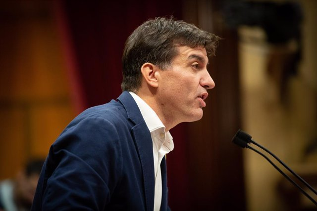 El president d'ERC al Parlament, Sergi Sabrià, intervé en la sessió plenària celebrada al Parlament tres dies després que es conegués la sentència del 'procés', Barcelona (Catalunya, Espanya), 17 d'octubre del 2019 (arxiu)