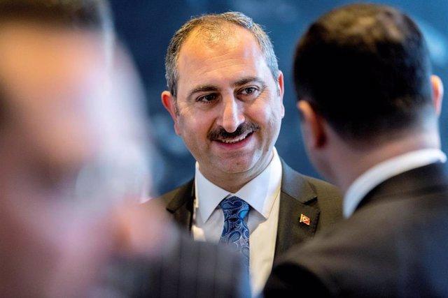 El ministro de Justicia turco, Abdulhamit Gul