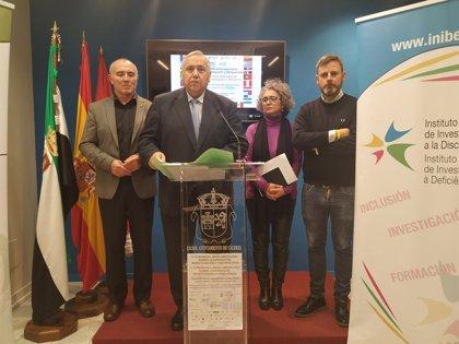 Una treintena de expertos de siete países abordan en Cáceres la situación de las personas con discapacidad