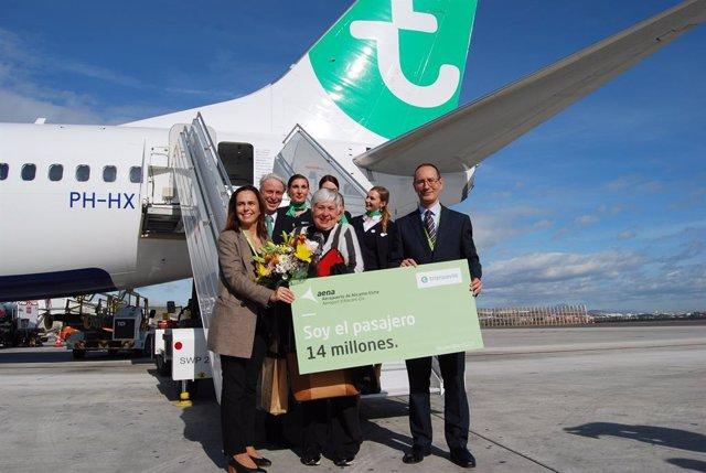 Pasajera número 14 millones del aeropuerto Alicante-Elche.