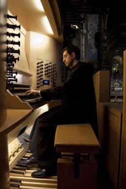 Organista Jordi-Agustí Piqué, monjo benedictí de Montserrat