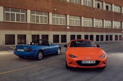 Mazda celebra el 30 aniversario del MX-5 en Retromóvil