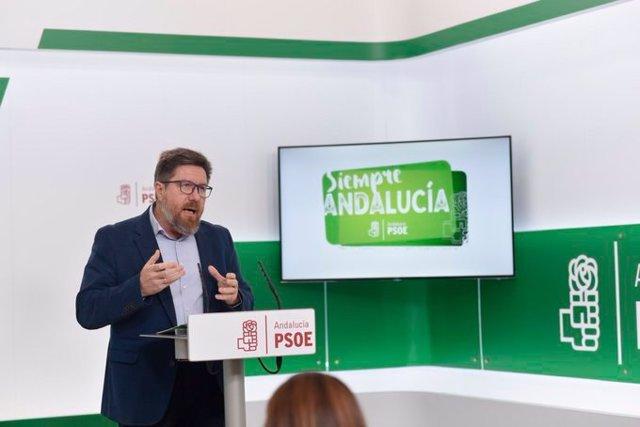 El portavoz adjunto del Grupo Parlamentario Socialista, Rodrigo Sánchez Haro, este martes en rueda de prensa