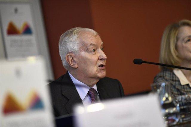 El director honorario de la RAE, Víctor García de la Concha