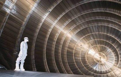 Restringen a la mitad el límite superior de masa del neutrino