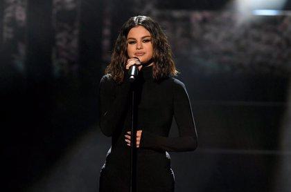 Selena Gomez sufrió un ataque de pánico antes de su actuación en los American Music Awards
