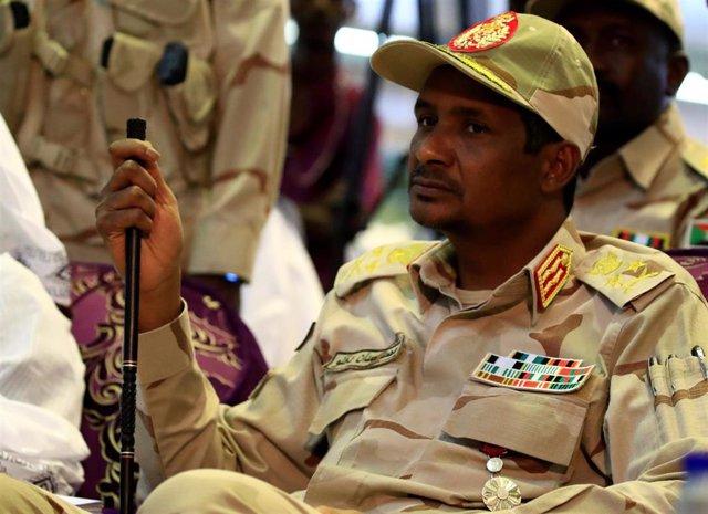 Mohamed Hamdan Dagalo, alias 'Hemedti', 'número dos' de la Junta militar en Sudán y jefe de las RSF