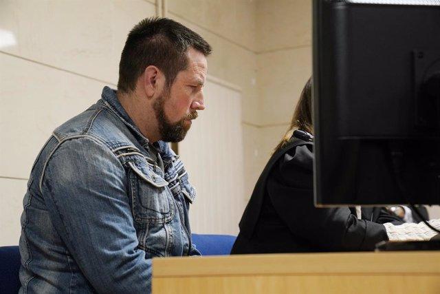 L'acusat pel presumpte assassinat de Diana Quer, José Enrique Abuín Gey, àlies el Xiclet, moments abans de començar el judici, a Santiago de Compostel·la /Galícia (Espanya), 12 de novembre del 2019.