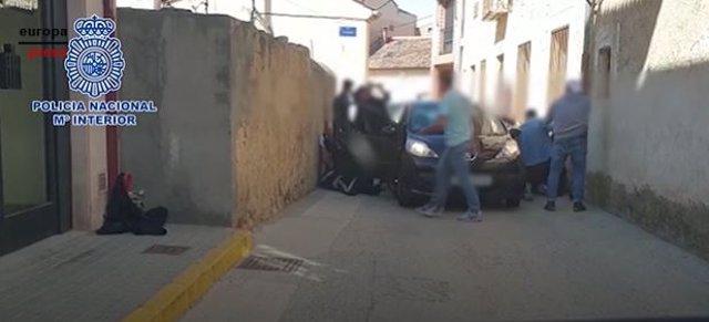 Imagen de la última detención de Eduardo Camacho Chacón y su banda en un pueblo de Segovia