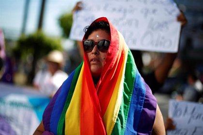 La oposición pide a la Policía y Fiscalía de El Salvador esclarecer los asesinatos de miembros del colectivo LGTB