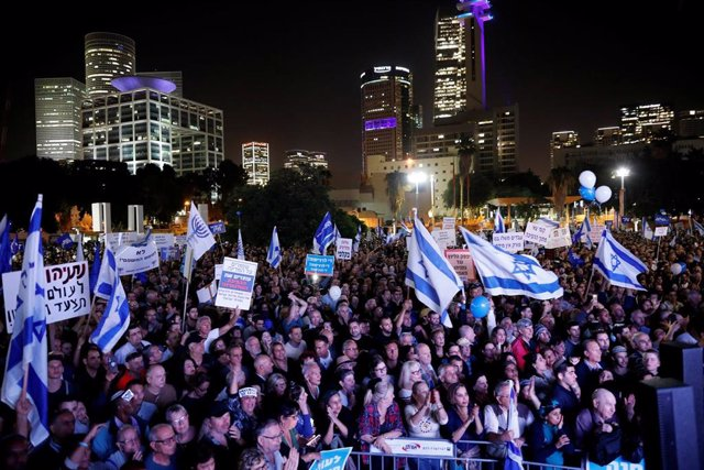 Manifestación a favor del primer ministro de Israel, Benjamin Netanyahu, tras ser imputado por corrupción