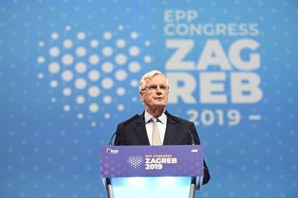 Brexit.- Barnier se compromete a priorizar el acuerdo comercial con Reino Unido tras el Brexit
