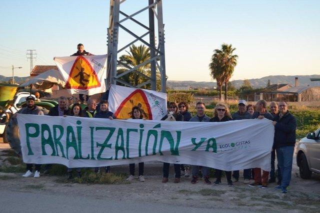 Imagen de una de las protestas contra los trazados de líneas de alta tensión en Santomera