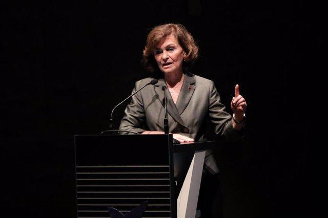 La vicepresidenta del Gobierno en funciones, Carmen Calvo, interviene en la presentación de 'España Feminista' en el CaixaForum de Madrid, el 26 de noviembre de 2019.
