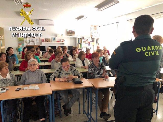 Huelva.-Sucesos.- Detenida una mujer como presunta autora de robos a ancianos con el método del abrazo cariñoso