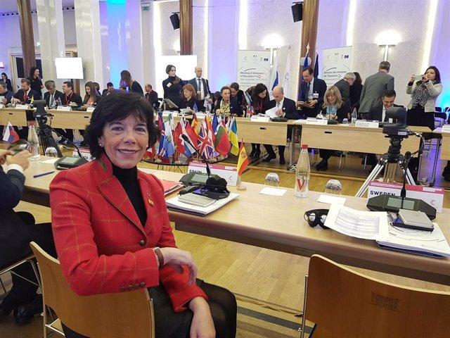 La ministra de Educación y Formación Profesional en funciones, Isabel Celaá, ha participado en la Cumbre de Ministros de Educación del Consejo de Europa, celebrada en París.