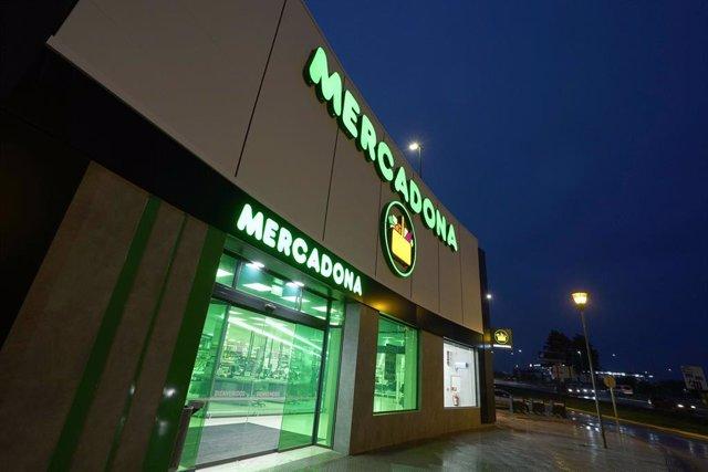 Mercadona reabre el supermercado de La Mejostilla en Cáceres tras adaptarlo a su