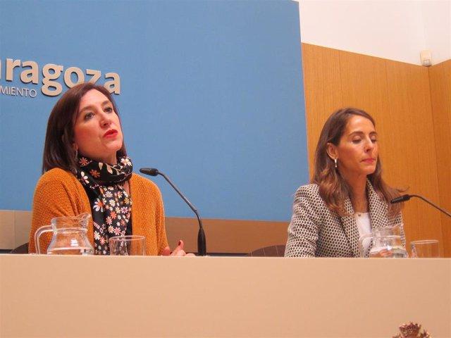 Sará Fernández (Cs) y María Navarro (PP) durante la presentación de la moción