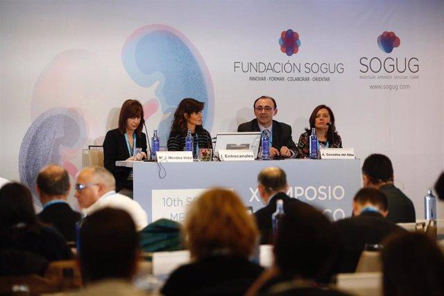 María José Méndez, Inés Entre Canales, José Ángel Arranz y Aránzazu González del Alba durante la presentación del simposio.