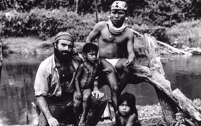 Miguel de la Quadra-Salcedo durante uno de sus viajes al Amazonas.