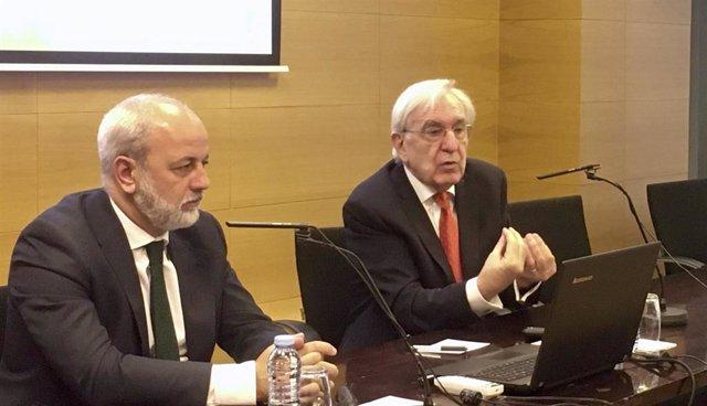 El presidente de la Asociación Española de Renting de Vehículos, Agustín García, presenta los resultados del balance 2017-2019 para Aragón