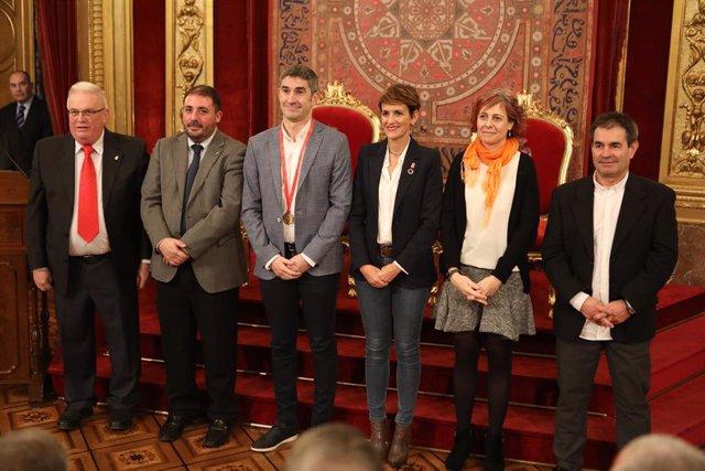 De izquierda a derecha: Miguel Angel Pozueta, Unai Hualde, Alberto Undiano, la Presidenta Chivite, la consejera Esnaola y Primitivo Sánchez