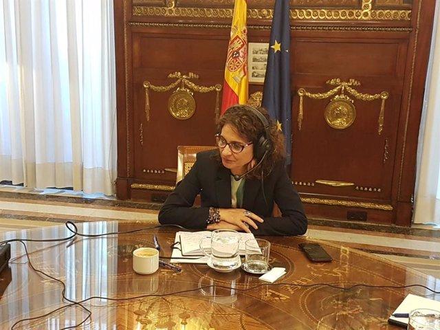 La ministra de Hacienda en funciones, María Jesús Montero, durante la entrevista en el Ministerio de Hacienda