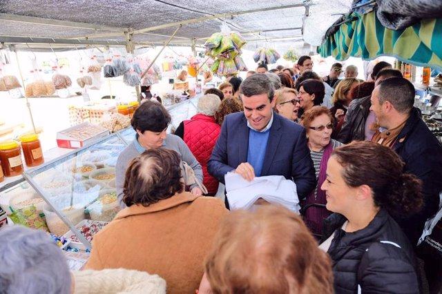Pepe Ortiz, alcalde de Vejer en campaña