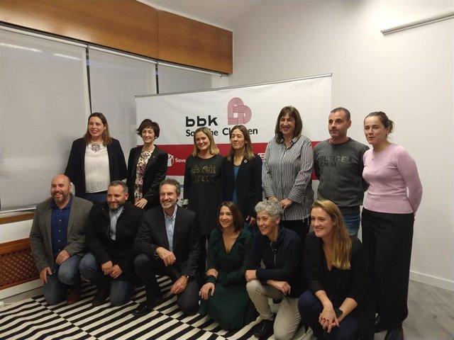 BBK y Save the Children han inaugurado este miércoles en Barakaldo (Bizkaia) el Centro de Recursos para la Infancia y la Adolescencia (CRIA) donde se ejecutará su Programa de Lucha contra la Pobreza Infantil.