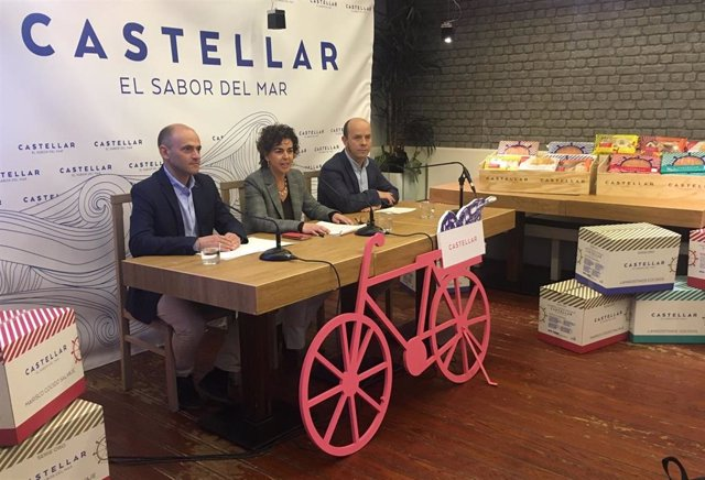 Acto de presentación de la renovación de la imagen de Mariscos Castellar por su 50 aniversario.