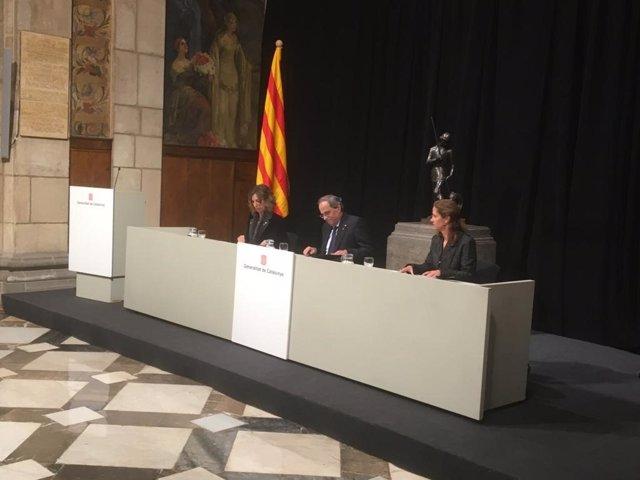 La consellera de Empresa y Conocimiento de la Generalitat, Àngels Chacón; el presidente de la Generalitat, Quim Torra, y la directora general de Comercio, Munsta Vilalta