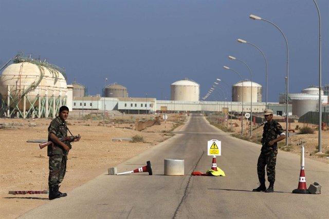 Refineria De Petroleo En Libia