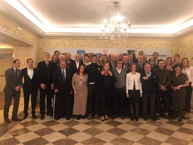 """Una treintena de """"embajadores"""" de Euskadi en Madrid se han reunido esta tarde en un encuentro con la consejera de turismo, comercio y consumo del gobierno Vasco, Sonia Pérez Ezquerra"""