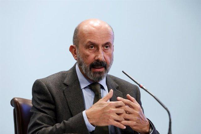 El minsitro de Salut d'Andorra, Joan Martínez, en compareixena després del Consell de Ministres.