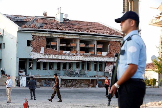 Un policía en la capital de Turquía, Ankara