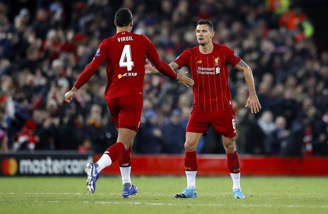 Fútbol/Champions.- (Crónica) El Liverpool reacciona y RB Leipzig se mete en octa